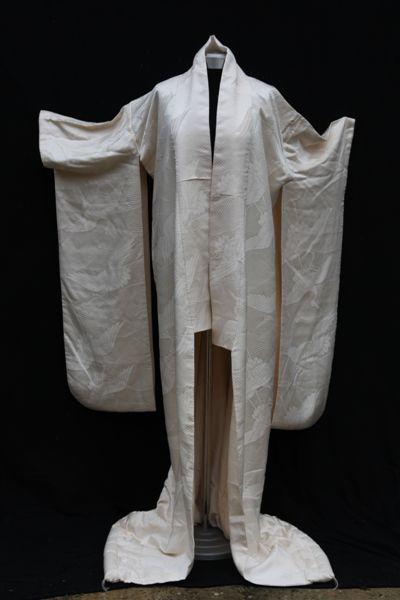 Cream silk matrimonial Kimono (Front)
